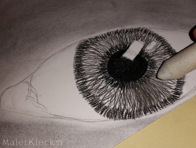 Schattierung Iris Kohlezeichnung