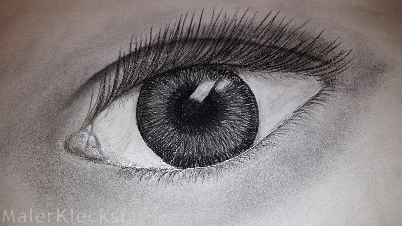 Kohlezeichnung Auge