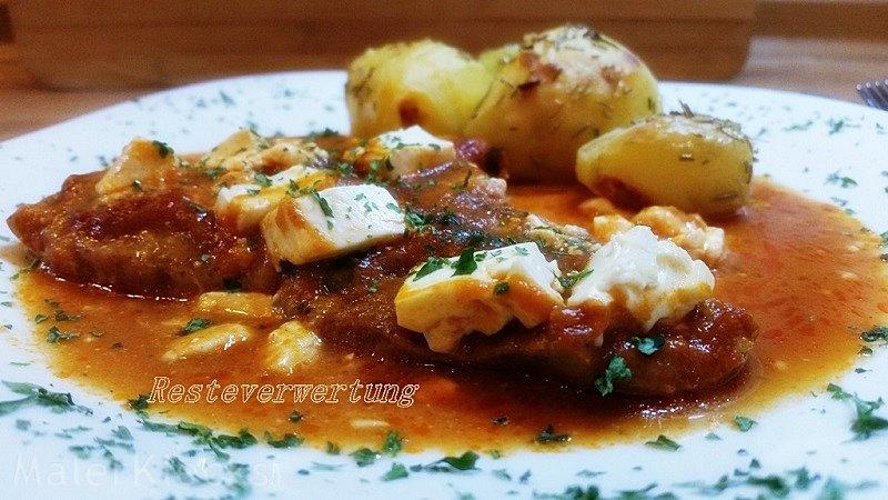 Schnitzel mit Tomatensoße